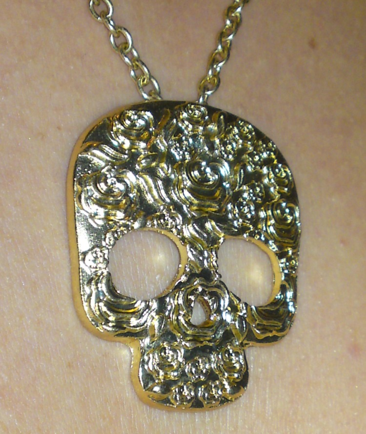 Skull_Necklace.jpg
