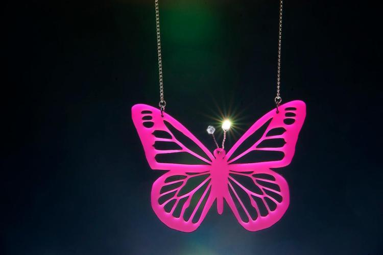 P_D_Butterfly_Necklace_Large_Hanging